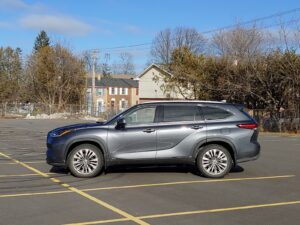 2021 Toyota Highlander Hybrid Side View Grey Exterior